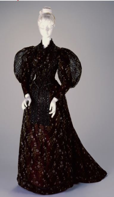 A New Year's Woman in Black http://www.cincinnatiartmuseum.org/art/collection/collections/?u=11693231