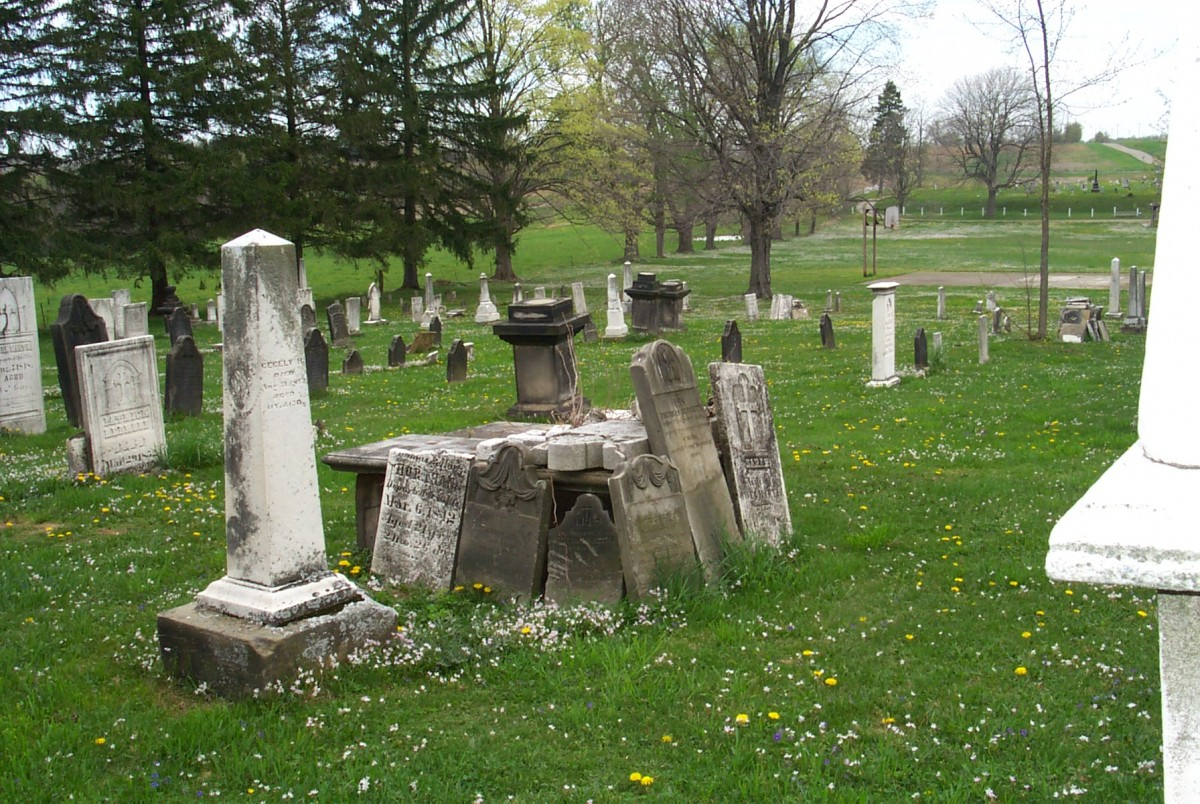A few uses for a dead tombstone haunted ohio books a few uses for a dead tombstone arubaitofo Images