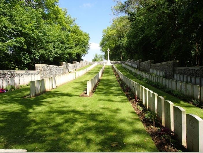 Roeux British Cemetery http://ww1cemeteries.com/ww1frenchextension/roeux.htm