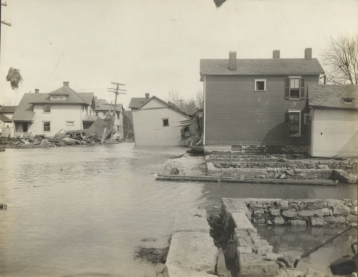 A surviving photograph from the aftermath of the Great Dayton Flood of 1913. Perhaps the photograph mentioned in the article, although there is no notation as to location.