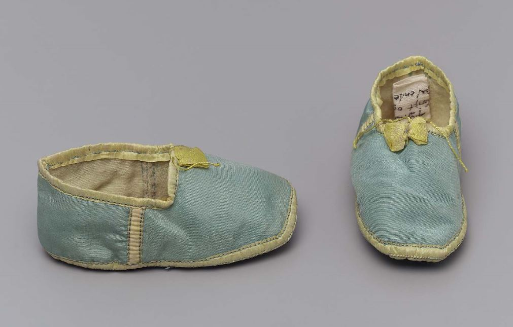 The Pitter Patter of Tiny Feet Early 19th-century baby shoes http://www.mfa.org/collections/object/pair-of-infants-shoes-49949